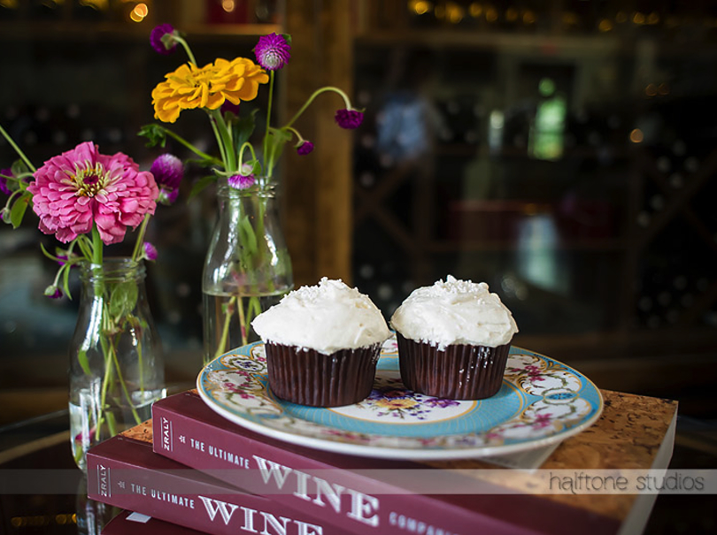 Cupcakes with Vintage Styling