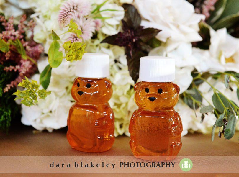 Honey bear jar wedding favors