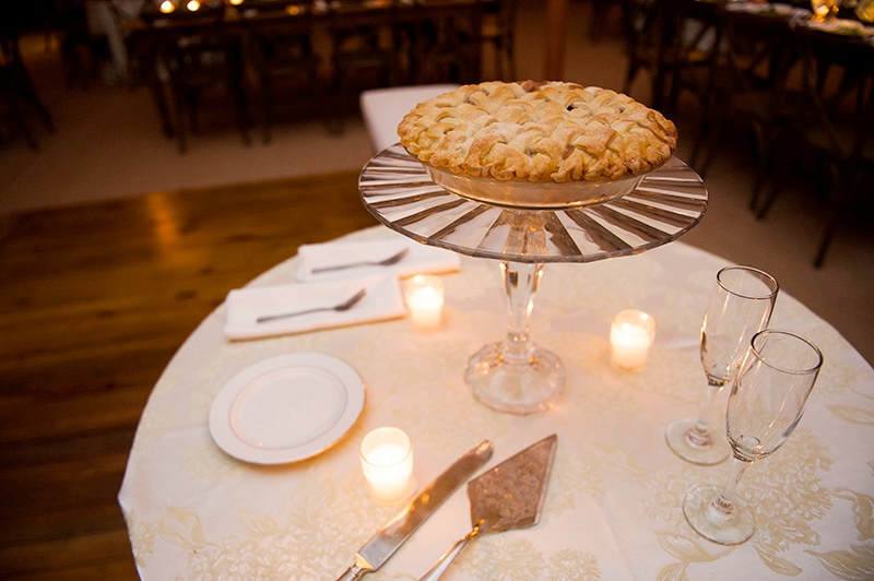 Apple pie at Southern wedding