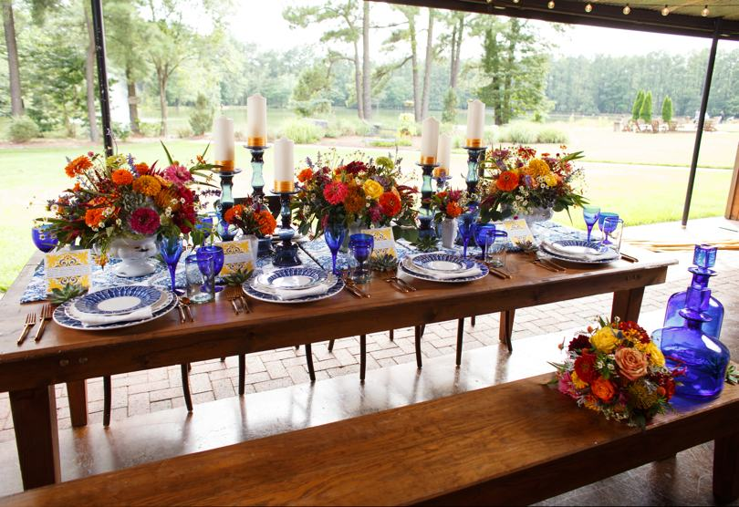 Bright and colorful summer wedding