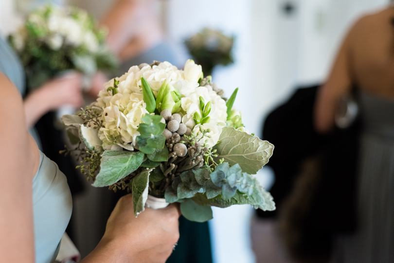 Simple bridal bouquets