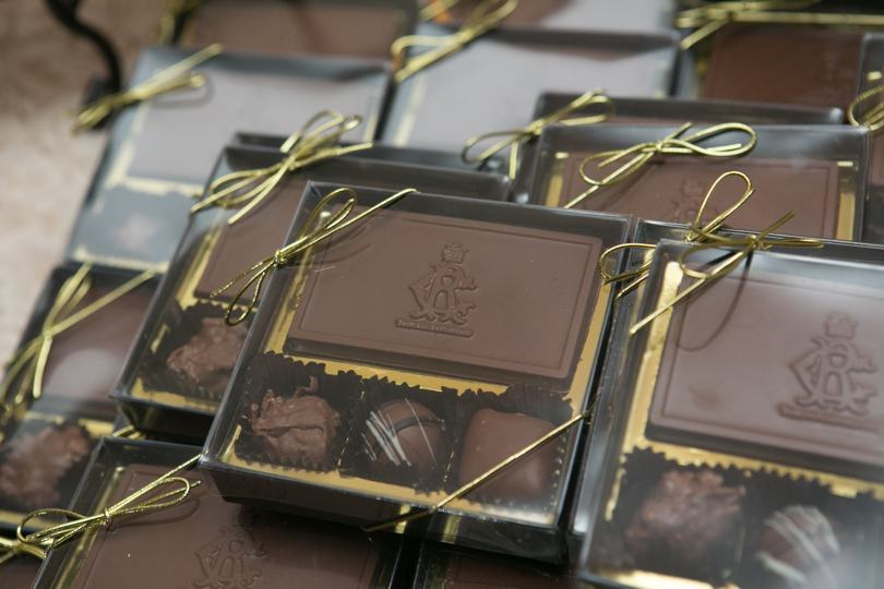 chocolate-as-wedding-favor