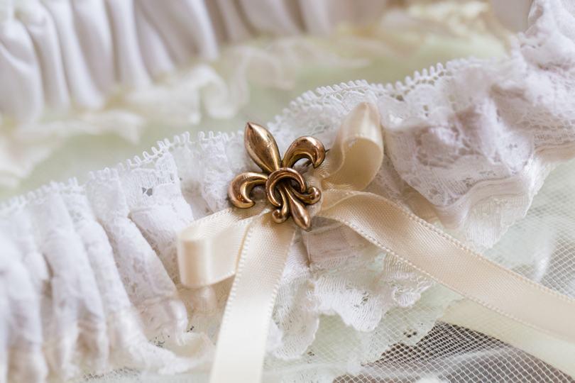customized-wedding-garter