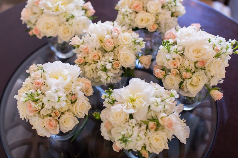 pink-and-white-wedding-bouquets