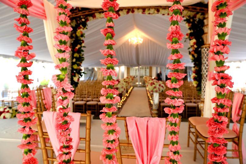 flower-garland-wedding-decor