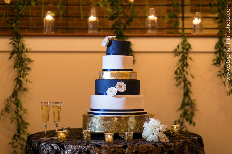 gold-and-navy-wedding-cake