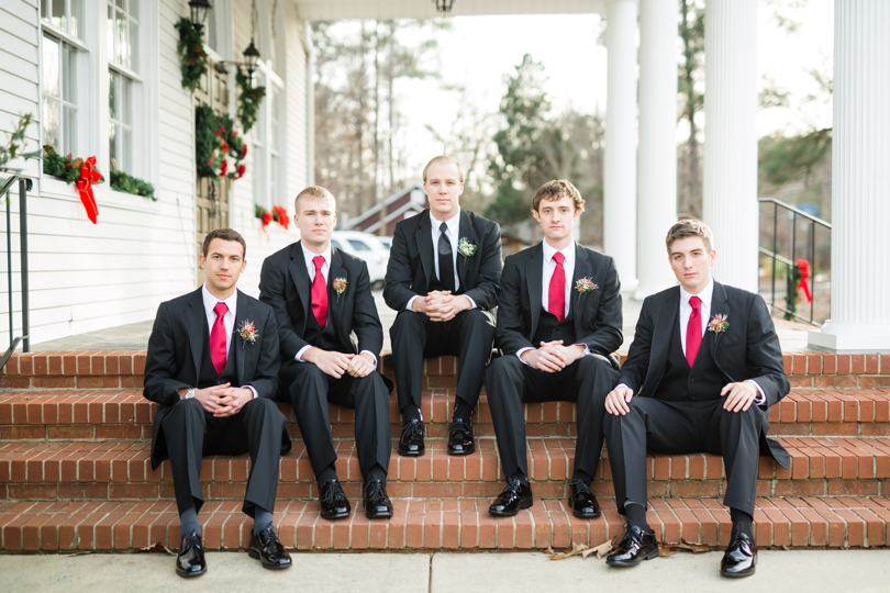groomsmen-with-red-ties
