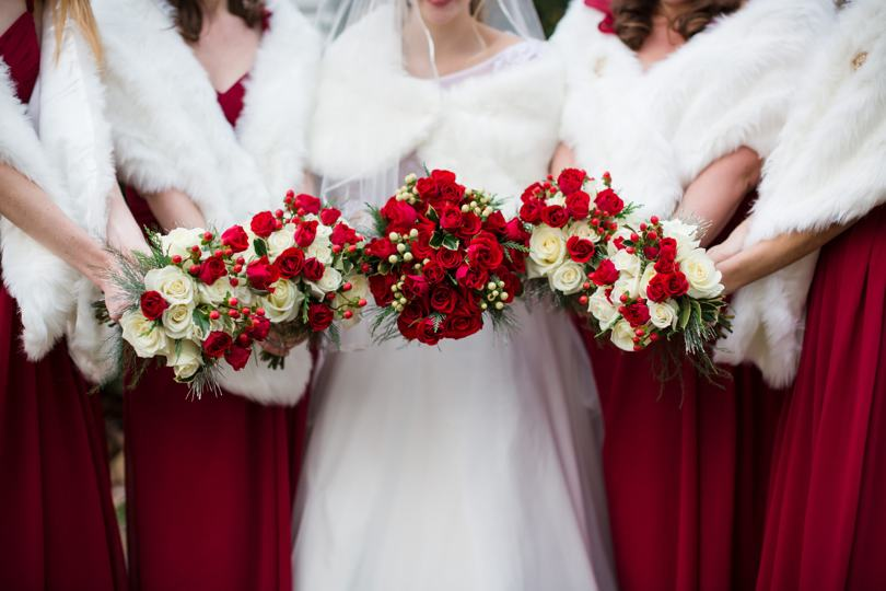 red-and-white-rose-bouquet