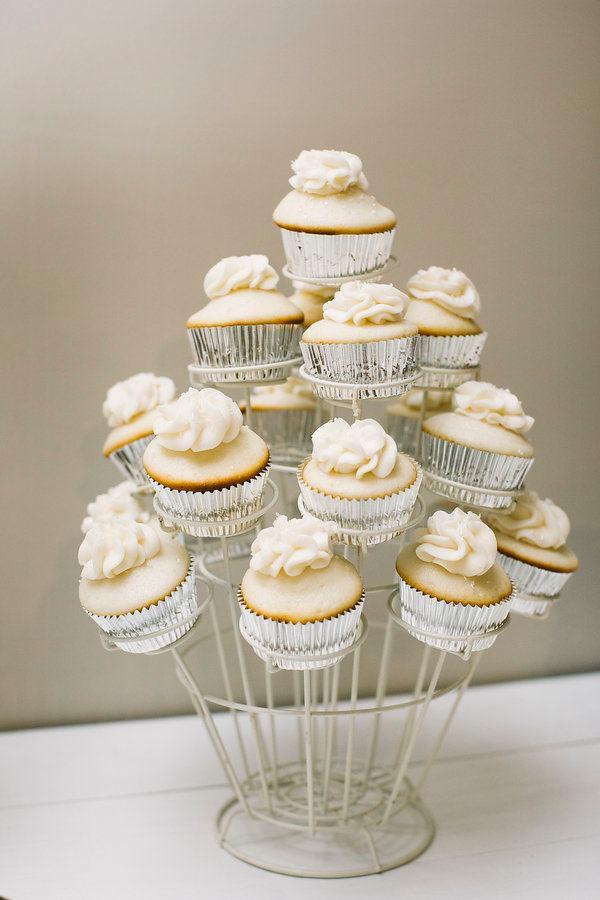 wedding cupcake displays