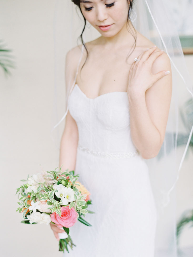 Bride with Veil and bouquet by Tre Bella Casey Rose_1